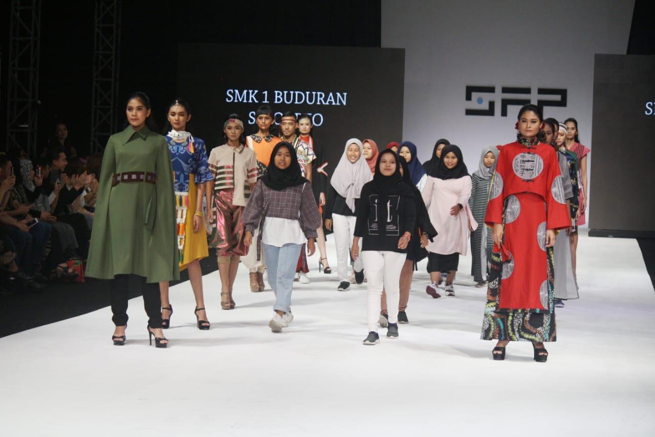 Hasil Karya Siswa Tata Busana Tampil Di Surabaya Fashion Parade 2019 Berita Smk Negeri 1 Buduran Sidoarjo
